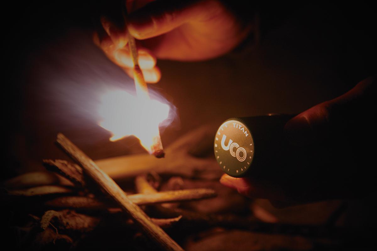 2_uco2 冬キャンプ必携のファイヤースターターから薪ストーブまで!耐風&燃焼効果抜群のおすすめファイヤー・ギア12選