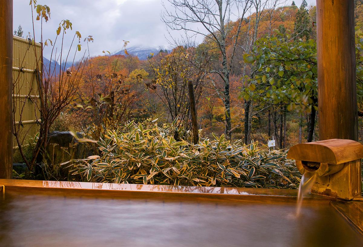 """fe94e4c17b7af9973f02d828f651673d 【紅葉温泉特集13選】Jeepに乗って行きたい""""紅葉温泉""""を日本中からピックアップ!秋の大自然&露天風呂で極上のリラクゼーション!"""