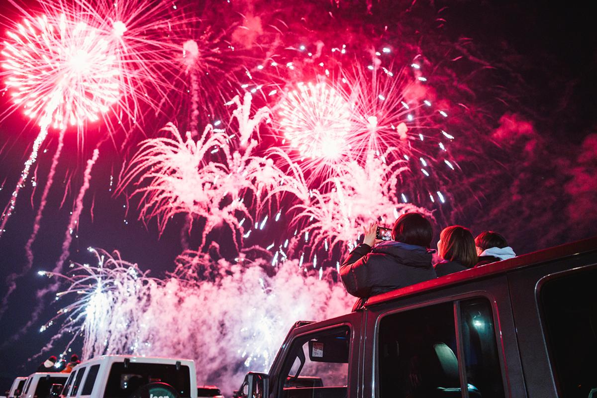 20201031_qetic-jeep-0047 Jeep HANABI 2020【関東・関西・東海】レポート!オーナーとの絆を乗せて夜空に打ち上がった7スロット花火