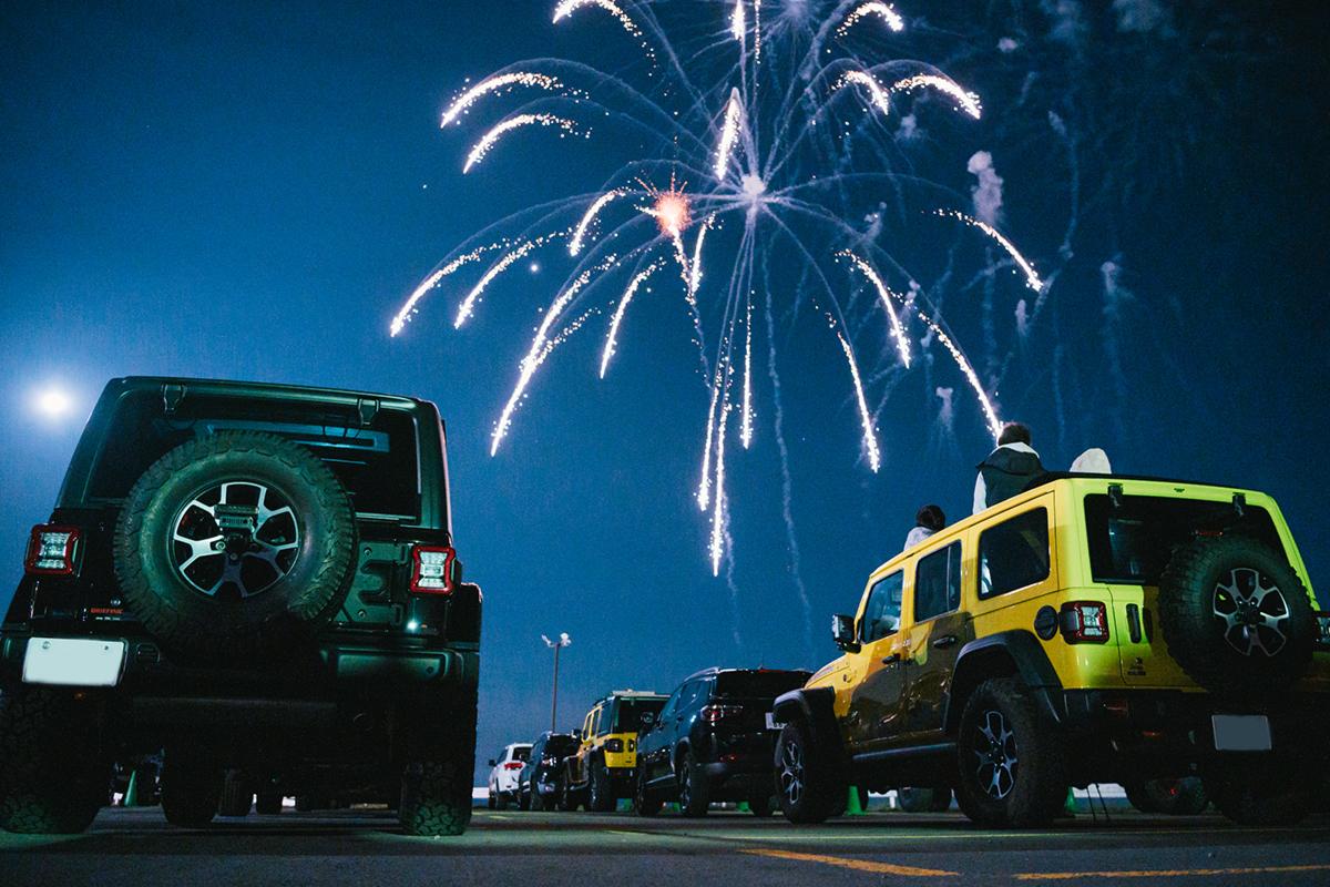 20201031_qetic-jeep-0053 Jeep HANABI 2020【関東・関西・東海】レポート!オーナーとの絆を乗せて夜空に打ち上がった7スロット花火