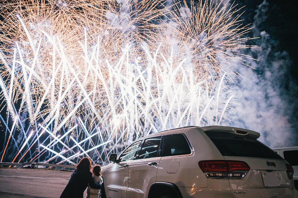 20201031_qetic-jeep-0100 Jeep HANABI 2020【関東・関西・東海】レポート!オーナーとの絆を乗せて夜空に打ち上がった7スロット花火