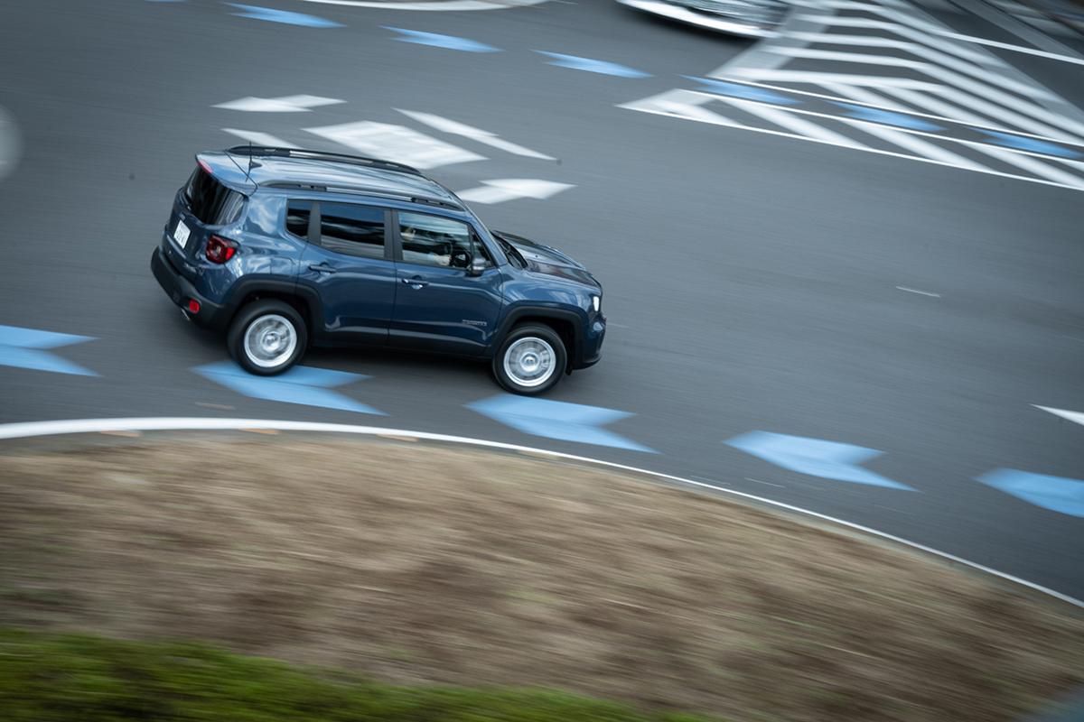 DSC8524 Jeep初のPHEV、Renegade 4xe日本上陸!~電動化でより鮮明になったJeepの意志と決意~