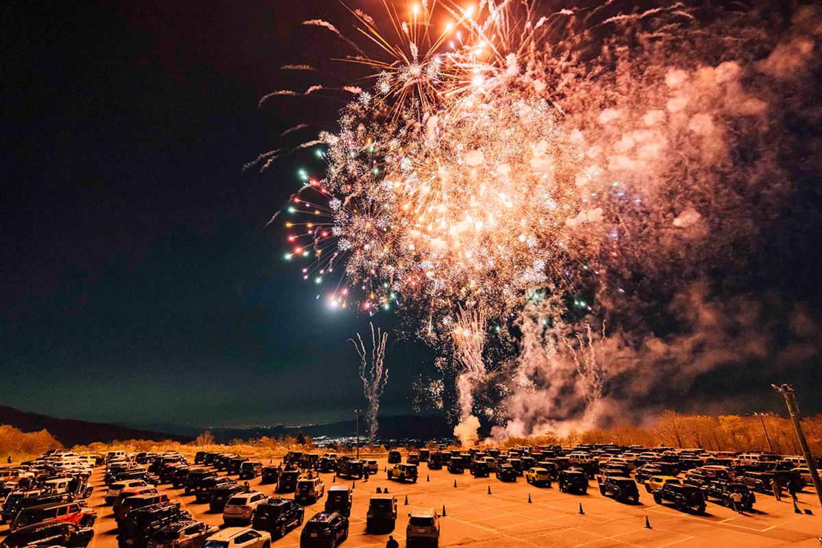 Y5_2807 Jeep HANABI 2020【関東・関西・東海】レポート!オーナーとの絆を乗せて夜空に打ち上がった7スロット花火