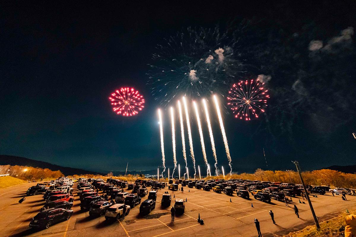 Y5_3307-1 Jeep HANABI 2020【関東・関西・東海】レポート!オーナーとの絆を乗せて夜空に打ち上がった7スロット花火