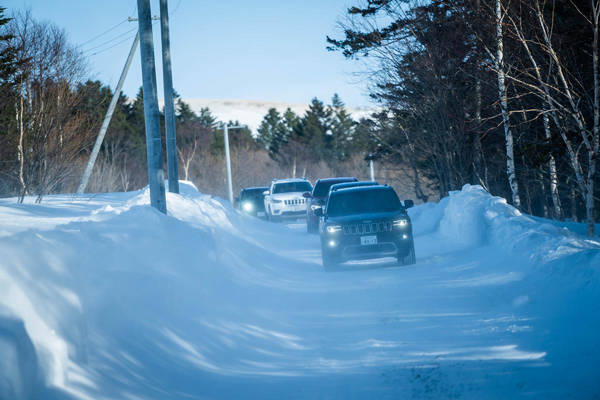 "DSC4650 【Jeep×星野リゾート】話題の""4xe""をはじめとする最新のJeepが雪上で実力を見せつけた、""トマム雪上試乗会""リポート"
