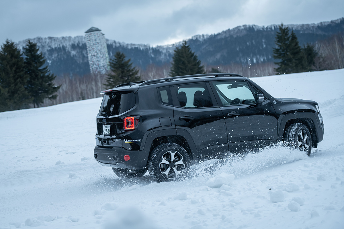 "DSC5289 【Jeep×星野リゾート】話題の""4xe""をはじめとする最新のJeepが雪上で実力を見せつけた、""トマム雪上試乗会""リポート"