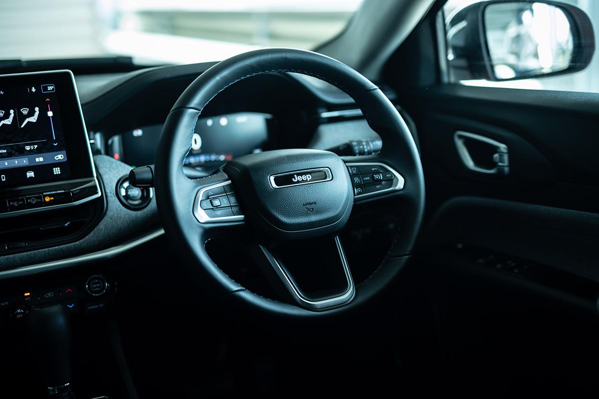 10 インテリアデザインを刷新した新型Jeep Compassに試乗! 〜モダンで居心地のいいインテリアに囲まれて、オールマイティに使える魅力がさらに増した〜